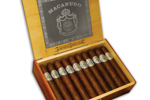 RESIZED_large_macanudo-cru-royale-prod-shot-box